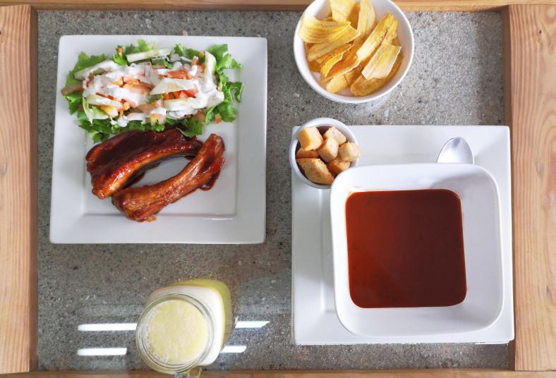 estación, 5, costilla, bbq, sopa, tomate, platanitos, tostados, fresco, natural,