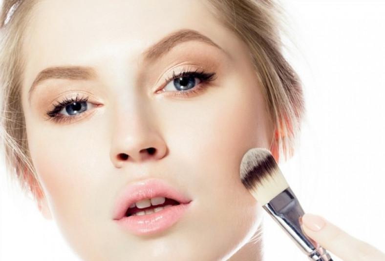 adriana, salón, maquillaje, natural, sencillo, esmaltado, shellac, duradero,