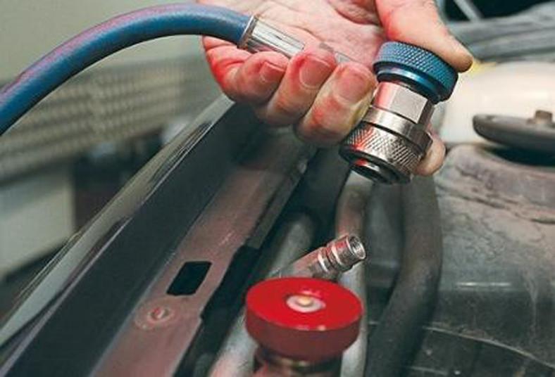 clima, car, carga, gas, aceite, compresor, revisión, prueba, fugas, r134