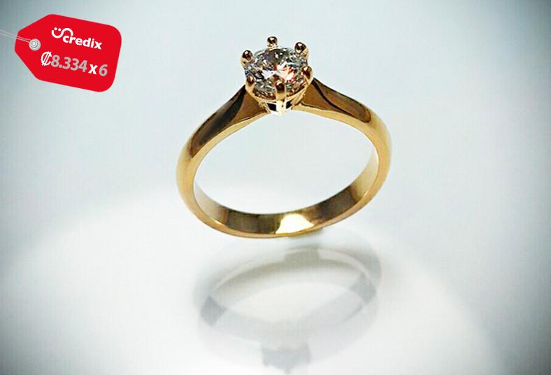 908910aef940 Pensás en boda  Anillo de compromiso en oro con Swaroski de 10 k a ...