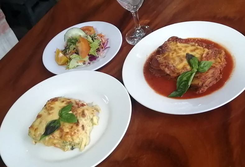 Restaurante, Rancho, Arizona, lasagna, pollo, carne, pan, ensalada, almuerzo,
