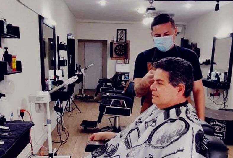 Barbería, D' Williams, corte, barba, cabello, cejas, exfoliación, limpieza, piel