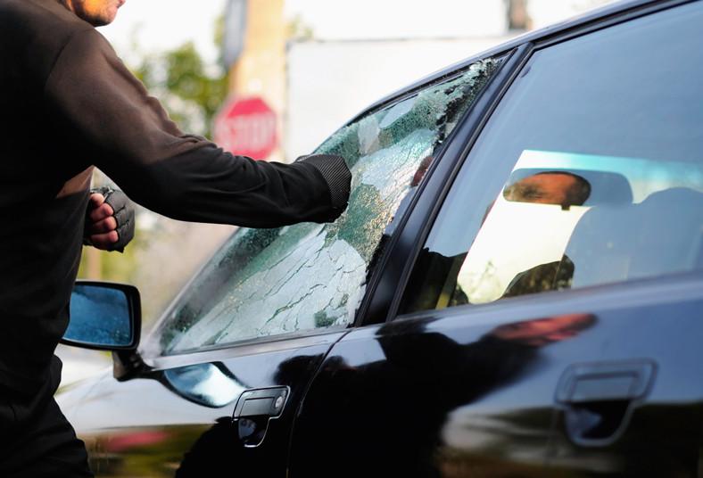 blindatec, autos, seguridad, polarizado, 4x4, vidrios, robos, ventanas, sedán
