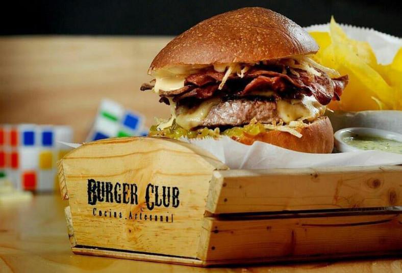 Burger, Club, combo, hamburguesa, acompañamientos, postres, aderezos, refresco
