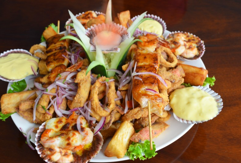 tumis, house, plato, caliente, rueda, frutos, mar, mariscos, yuca, frita, salsa