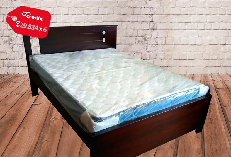 Aprovech una hermosa y elegante cama matrimonial con for Colchon y cama matrimonial