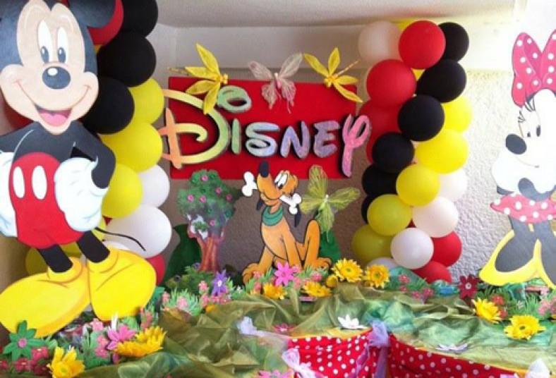 fiestas carola inflable decoracin princesas globos arco manteles
