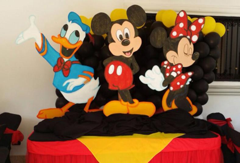 Fiesta Fantastica Con Una Decoracion Increible Para Ninos Al 50 De