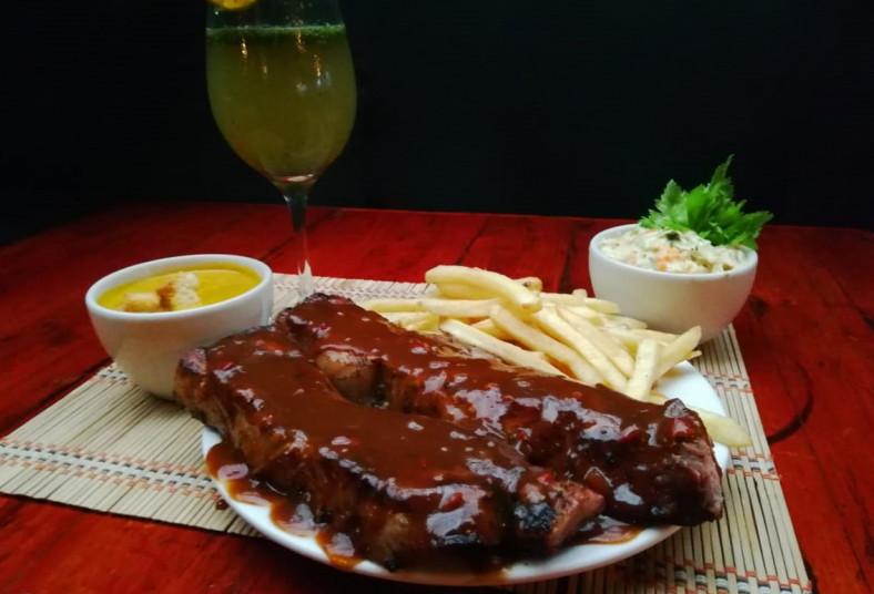 chirraca, steak, house, crema, ayote, costillas, cerdo, parrilla, papas, fritas,
