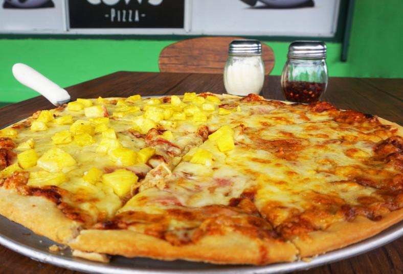 cows, pizza, grande, delgada, jamón, queso, hawaiana, porciones, compartir,