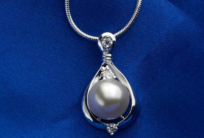 15cec4beeeb4 Sorprendela o maravillate vos con un juego de perlas en plata 925 a ...