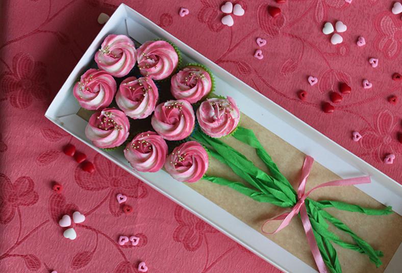dolce, amaretto, tarjetita, ramo, mini, cupcakes, regalo, día, especial, mamá,