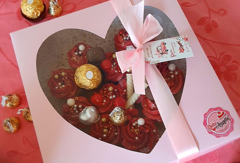 dolce, amaretto, mini, cupcakes, chocolates, bombones, palitos, tarjeta, cajita,