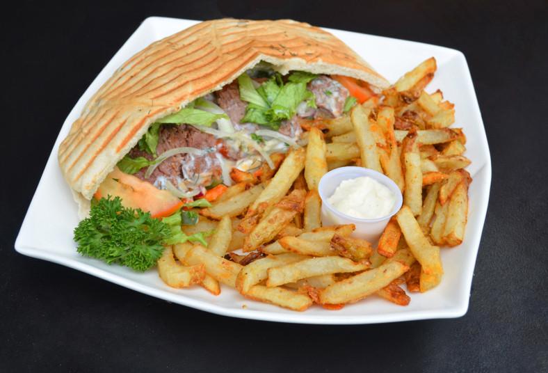 don, doner, kebah, papas, griegas, hummus, pan, pita, almuerzo, compartir, carne