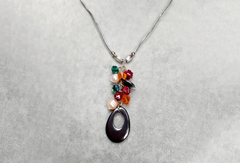 joyería, emilia, rodríguez, collar, anillo, multicolor, perlas, río, cristales,