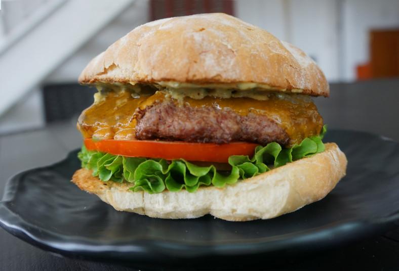 estación, 5, hamburguesa, premium, plátanos, tostados, pan, brioche, queso,