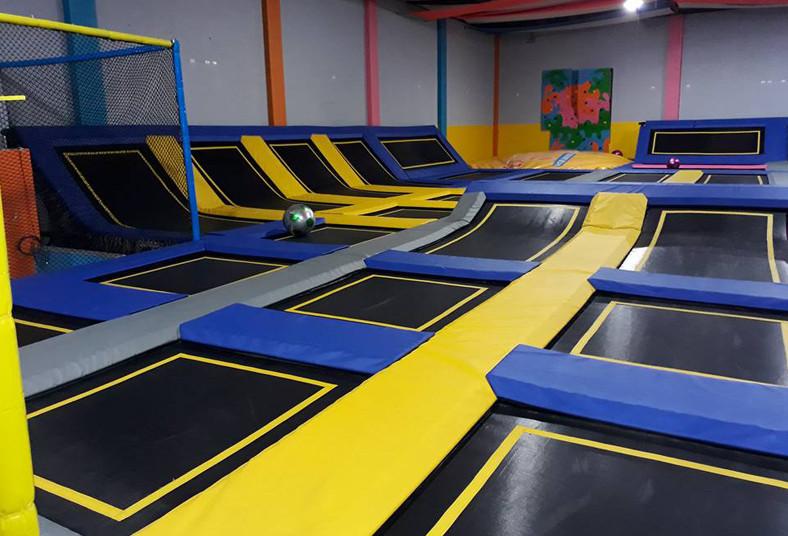 Extreme, Jump, By, Happy, Time, parque, trampolines, soda, heladería, parqueo