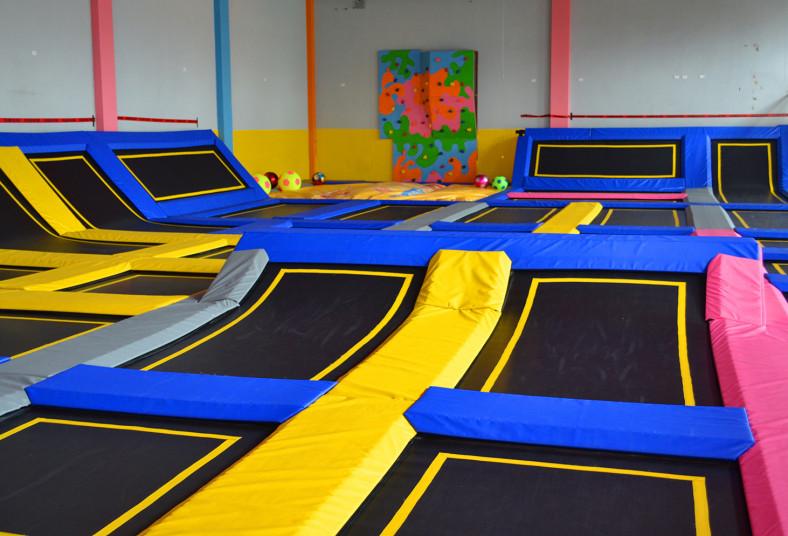 extreme, jump, trampolines, piscinas, medias, especiales, canchas, baloncesto,