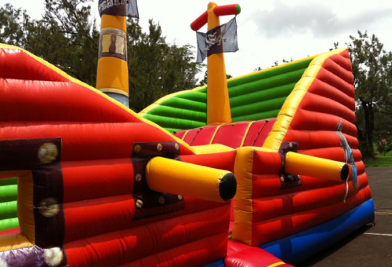 Diversi n en grande con 3 inflables diferentes para for Precios de piscinas inflables para ninos