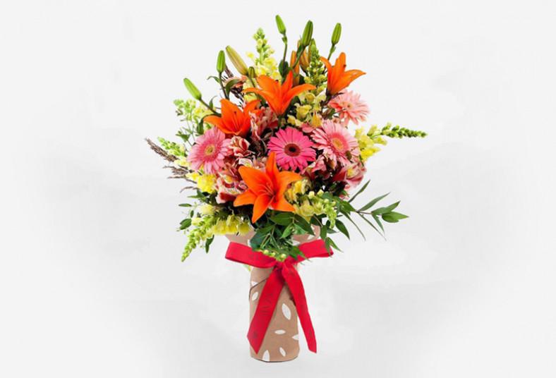 Floristería 2000, arreglo, floral, flores, regalo, mamá, hierberas, lirios, día,