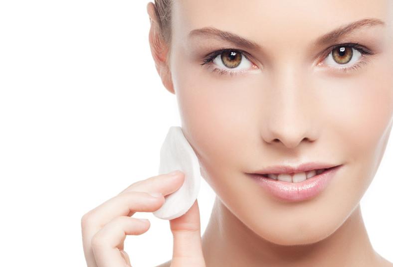 ¡Limpieza facial con microdermoabrasión, radiofrecuencia y