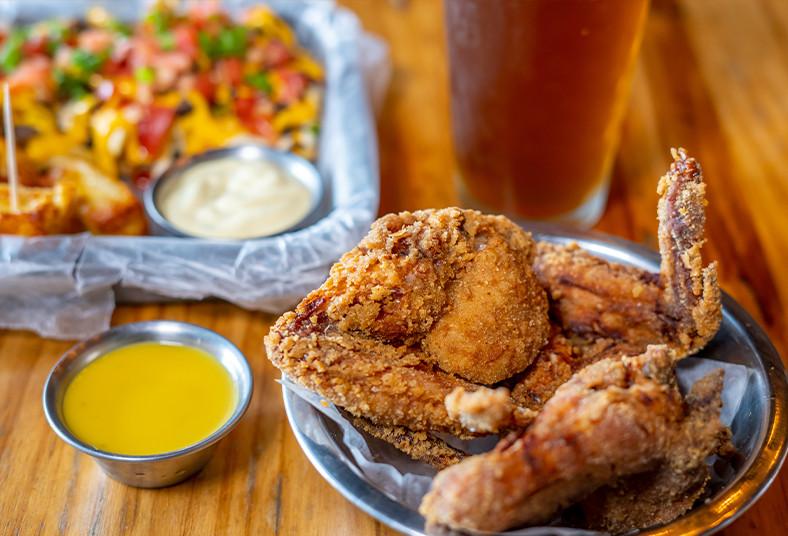 Good, Wings, alas, enteras, papas, locas, dados, queso, té, frío, casa, almuerzo
