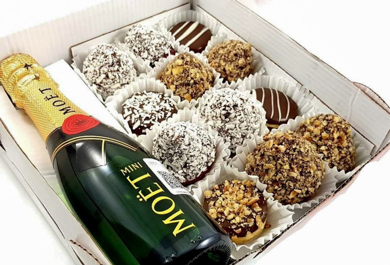 chocolat, sucré, botella, vino, fresas, bombones, decorados, coco, maní, choco