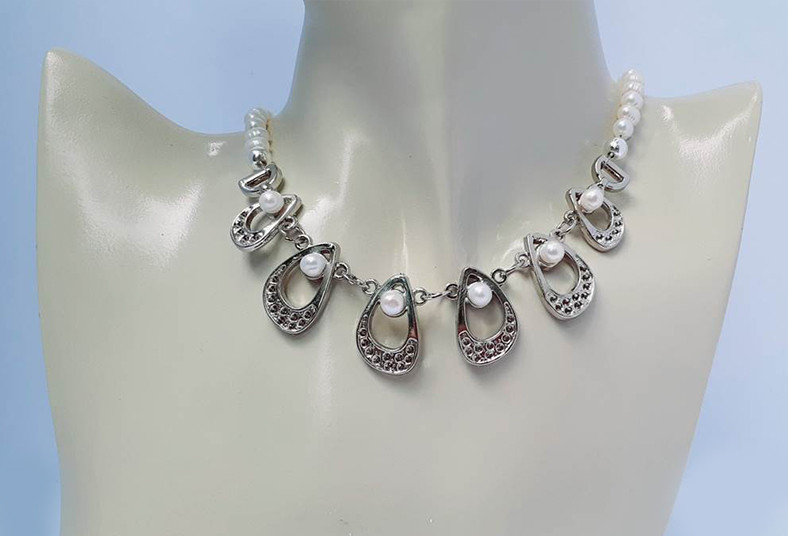 joyería, emilia, rodríguez, collar, aretes, perla, blanca, cultivada, pewter,