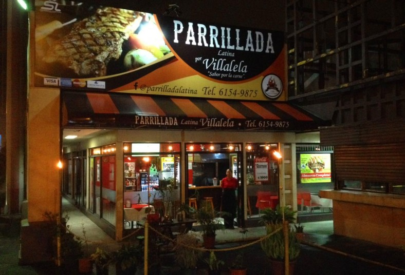 Parrillada, Latina, Villalela, tablón, parrillero, chorizo, maduro, ensalada,