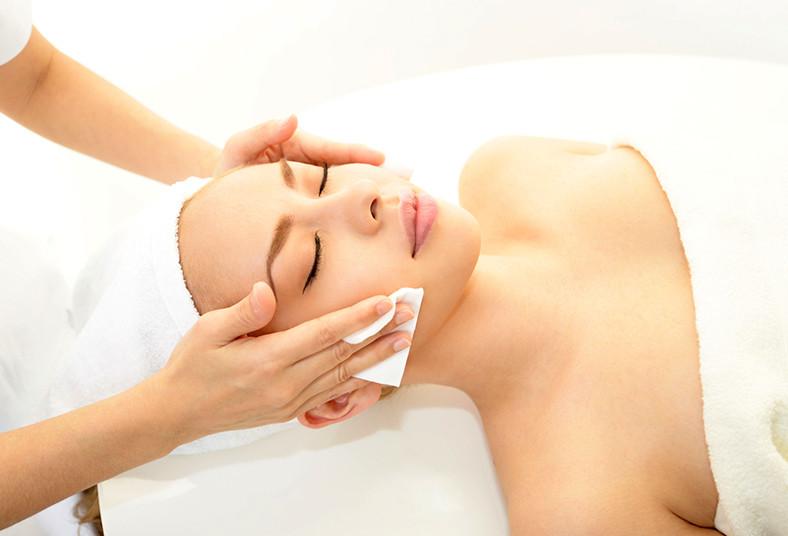Linda, Estética, limpieza, facial, profunda, microdermoabrasión, exfoliación,