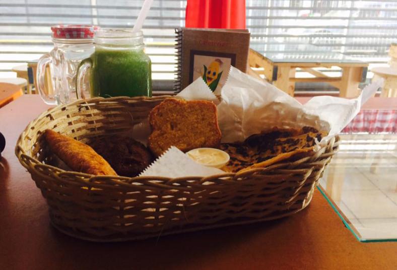 cafetería, ventanita, maíz, desayuno, típico, plato, surtido, compartir, familia