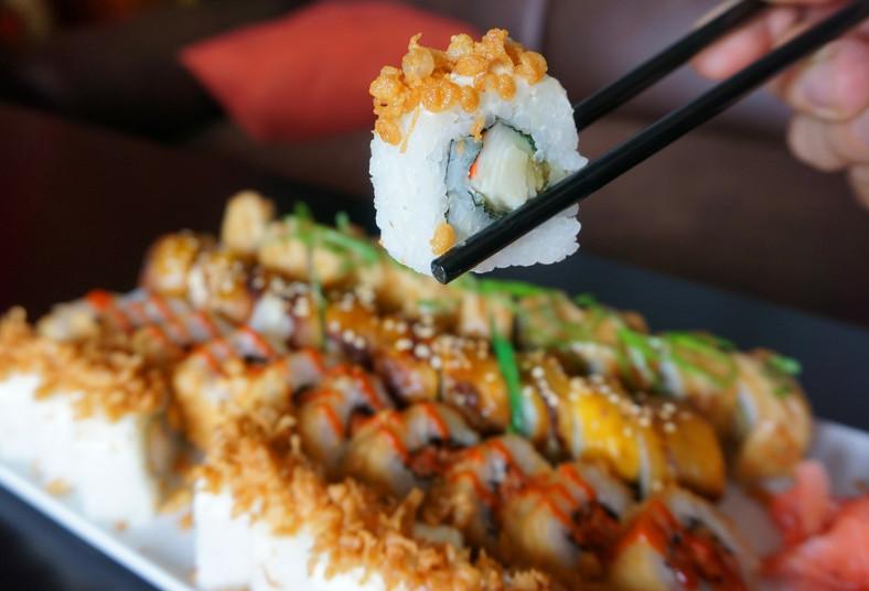 sushi, maki, take, roll, crunch, tuna, tempura, tico, frito, relleno, queso,