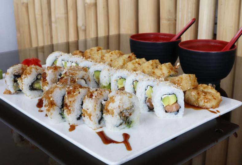 restaurante, makizu, sushi, sake, tempura, skin, roll, aguacate, salmón, sopa,