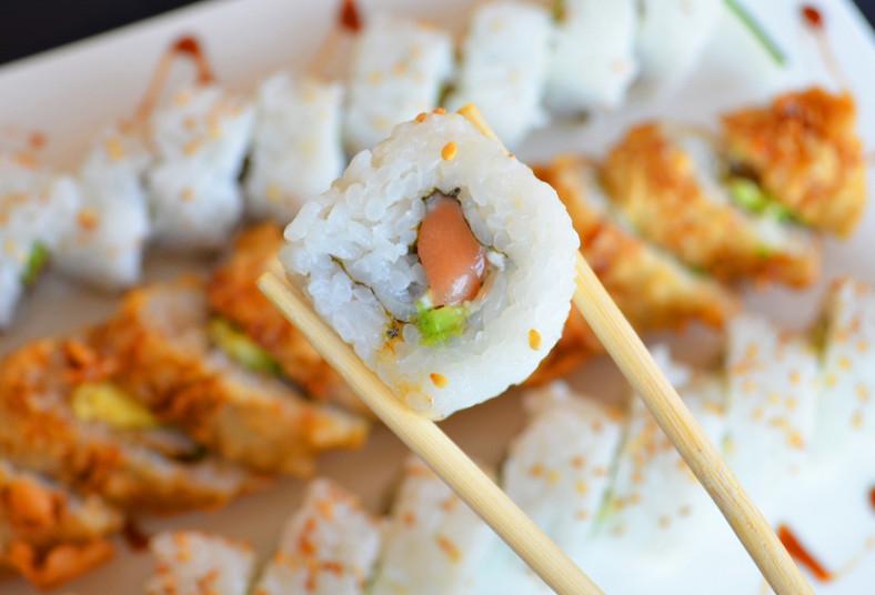 restaurante, makizu, sushi, california, tempura, philadelphia, rollos, aguacate,