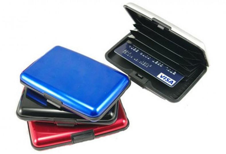 01107aa26 El regalo perfecto! Obsequiá una práctica billetera con cubierta de ...