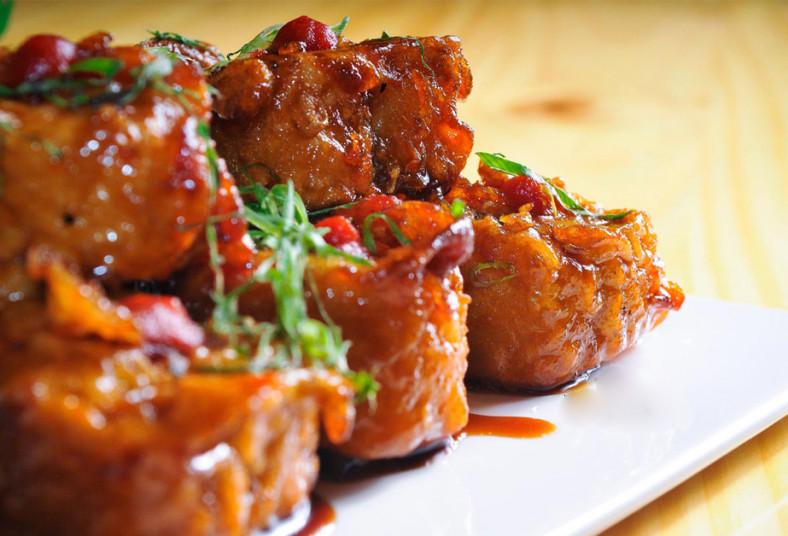 novoa, living, sushi, vietnamita, tico, roll, surime, pepino, queso, crema, wok