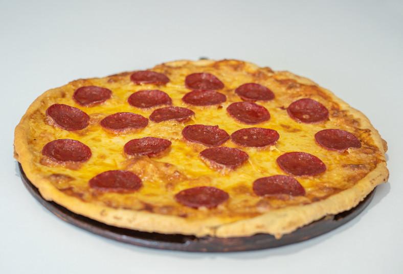 pizza, mym, artesanales, grandes, sabores, pollo, albahaca, pepperoni, jamón
