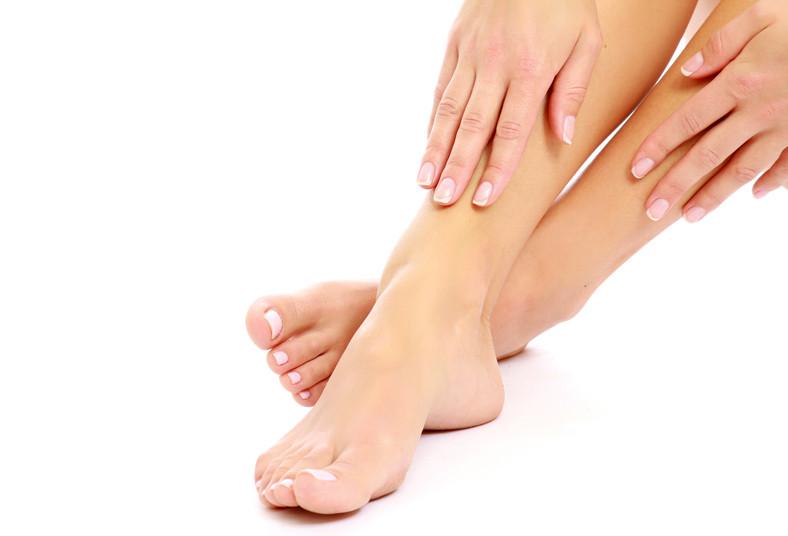 Rasslaivanie de las uñas y el tratamiento