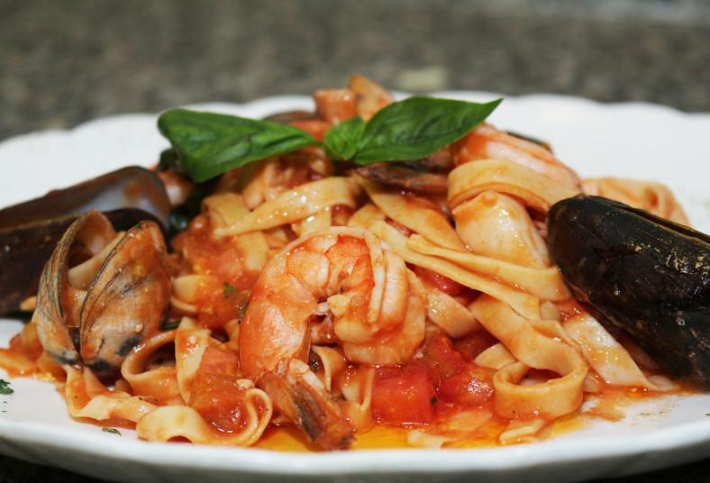 Sapore, trattoria, pizza, pasta, quesos, hongos, amatriciana, frutti, mare,