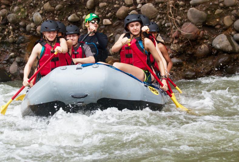 Selva, Whitewater, Adventures, rafting, equipo, póliza, guías, snacks, transport