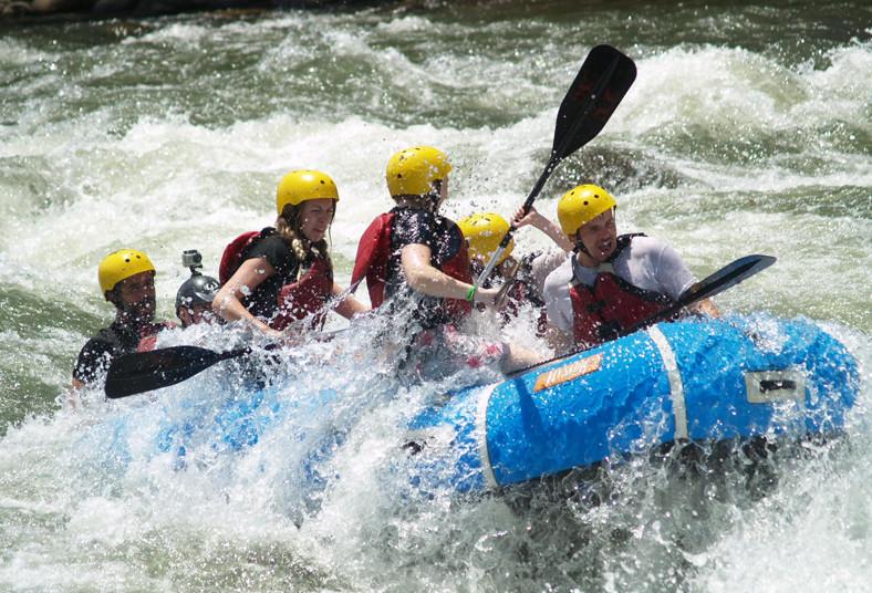 Sarapiqui, outdoor, center, tour, kayak, rafting, río, grupos, familia, flora