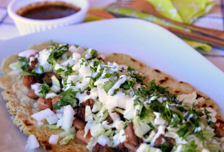 takomex, comida, mexicana, huaraches, natilla, queso, salsa, compartir, pollo