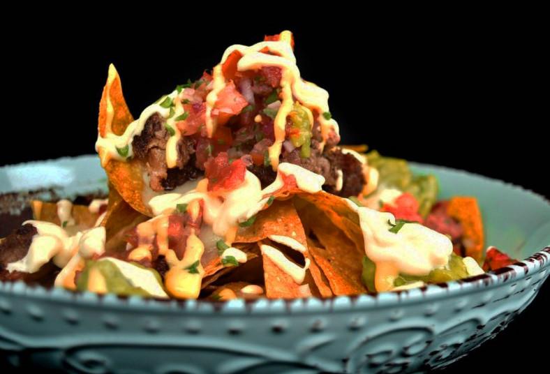 ticalitas, alitas, nachos, megapapas, patacones, pinchos, costilla, cerdo, menú