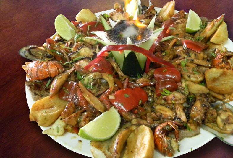 Tumis, house, alimentación, restaurante, comida, peruana, parrillada, familiar