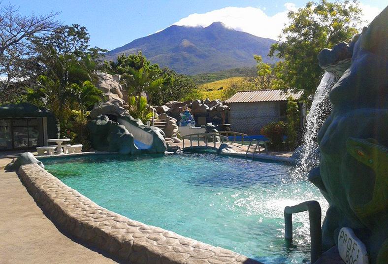 Thermomania con masajes y piscinas termales relajate por for Piscinas termales